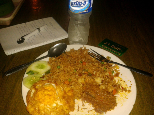 Travel Indonesia Blog: Some cheap local nosh and for just R21!