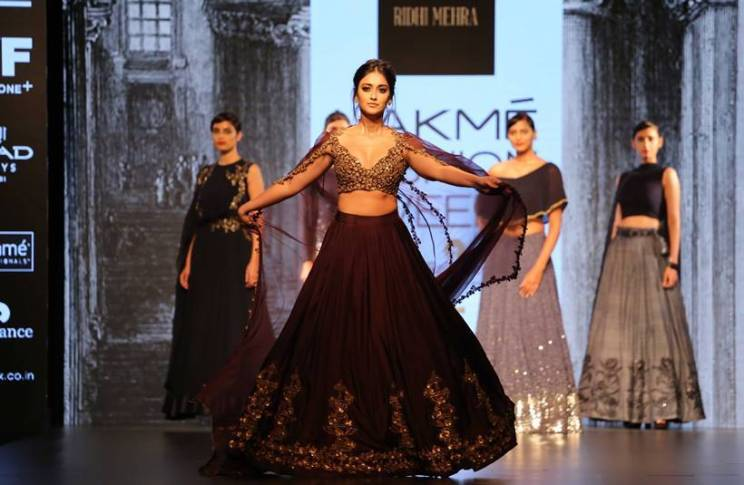 Our picks of WOW weddings in Lakme Fashion Week 2016 | Ridhi Mehra with ileana De Cruiz