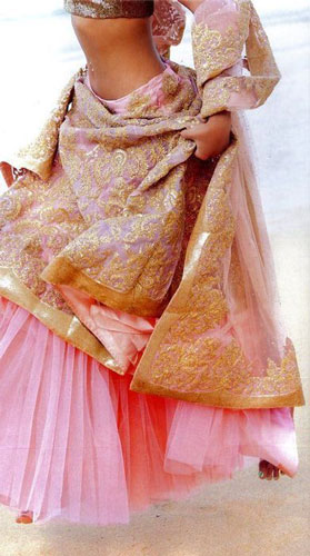 Day Wedding Lehenga Style |Light Lehenga with layers of light pink tulle and can can with a sheer soft pink lehenga with gold embroidery | Pinterest | Curated by Witty Vows