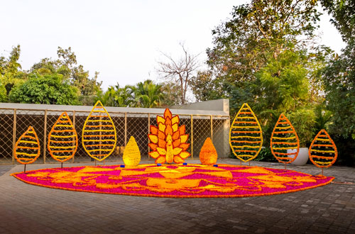 Magic with marigold | DIY decor ideas for the wedding house | using agenda on a budget | 3D rangoli with marigold | Curated By Witty Vows