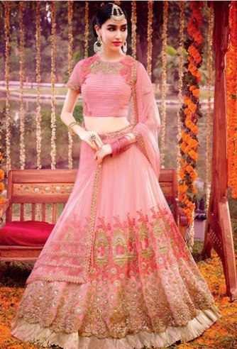 day wedding lehenga | Pink and gold lehengha with palki detailing for the day wedding | by dis royals | curated buy witty vows