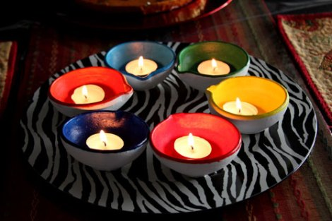 DIY handpainted diyas decor ideas for your diwali party at home