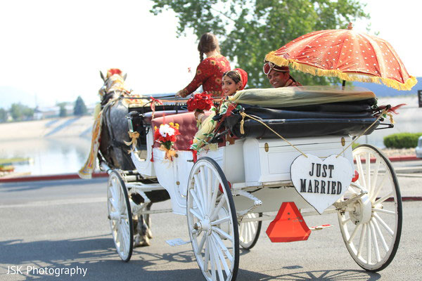 Groom and Bride exit ideas for Indian Weddings | vadai ideas | wedding send off ideas | couple exit ideas | Indian couple exit wedding groom and bride in a horse carriage with just married sign