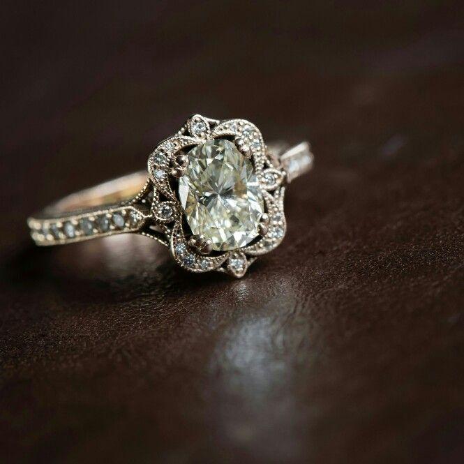 Vintage Heirloom Wedding Ring Design