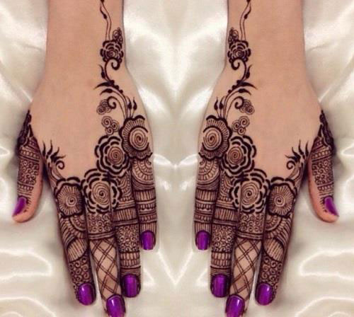 Minimal new mehndi design ideas for this wedding season | Henna Ideas | Jaali design mix modern Style finger Henna on back of the hand | Floral Finger Henna Tattoo
