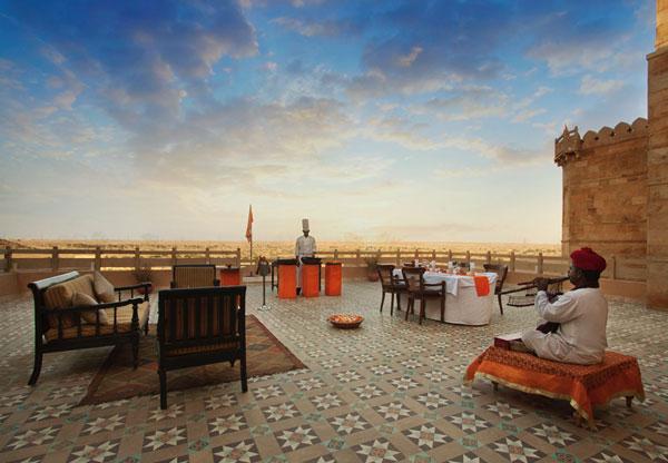 Best royal Indian wedding venue - Suryagrah hotel, Jaisalmer | wedding venues | royal wedding | destination wedding in india | Indian destination wedding | palace wedding venues | destination wedding venue | Royal Indian wedding venue | wedding at suryagarh rooftop