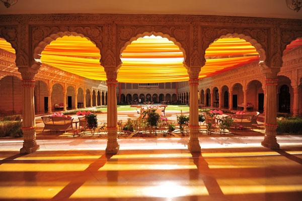 Best royal Indian wedding venue - Suryagrah hotel, Jaisalmer | wedding venues | royal wedding | destination wedding in india | Indian destination wedding | palace wedding venues | destination wedding venue | Royal Indian wedding venue | wedding at suryagarh | pretty wedding at Suryagarh hotel shot by mahesh shantaram