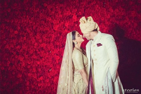 Fav best celebrity weddings 2016 | Asin wedding | Rose wall backdrop | Top Indian Celebrity Weddings 2016 | Wedding ideas from Asin and Rahul's wedding | Hindu wedding at Dust Devrani | Asin in gold Sabyasachi lehenga | Phoolon ki chadar