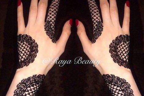 trending minimal new bridal mehndi design ideas for this wedding season | Jaali design Henna in an english vintage style lace glove