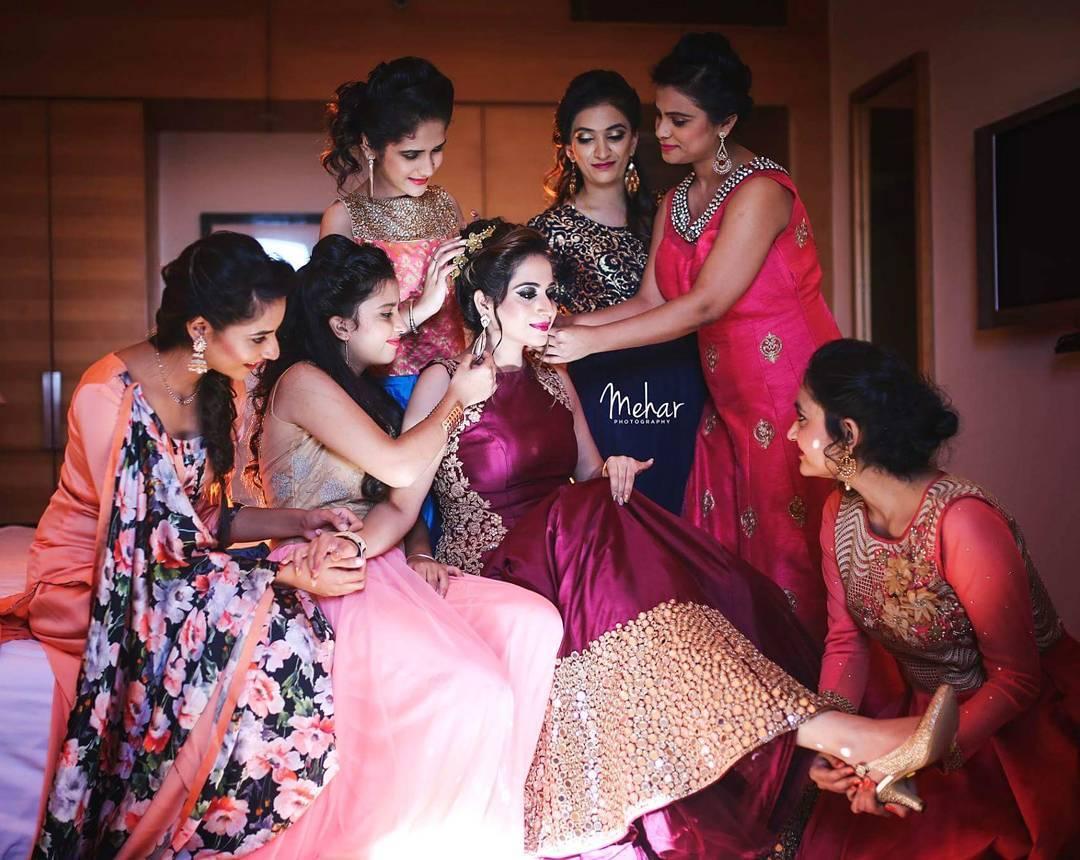 Indian bridesmaids essentials for her bag | Indian bridesmaid duties | DIY Indian Wedding survival Kit | Mehar photography