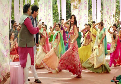 decor ideas from bollywood film Baar Baar Dekho | bollywood wedding | fun diy mehndi decor ideas | floral chintz curtains pastel colours | colourful bottles