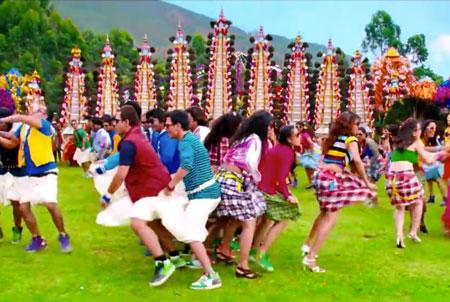 decor ideas from bollywood film Chennai express | bollywood wedding | fun diy mehndi decor ideas | Kashmir main tu Kanyakumari | colourful decor for Indian mehndi | South Indian elephant jewellery decor