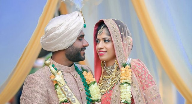 Pretty Pastel Sikh Anand Karaj in delhi | Amrit and Sukriti's wedding