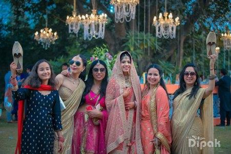 Joota-chori-bridesmaids