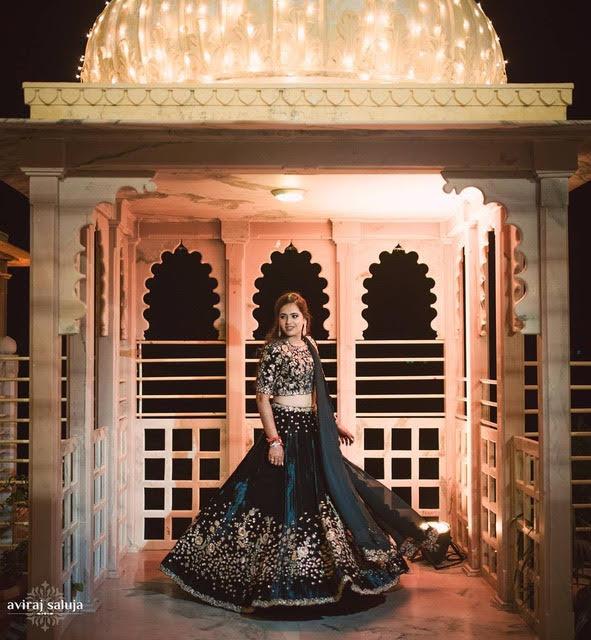 Indian fashion blogger wedding | Aayushi and smaran wedding photos | mehendi ceremony photos | liliac lehenga | royal Indian wedding | Bride in deep blue lehenga