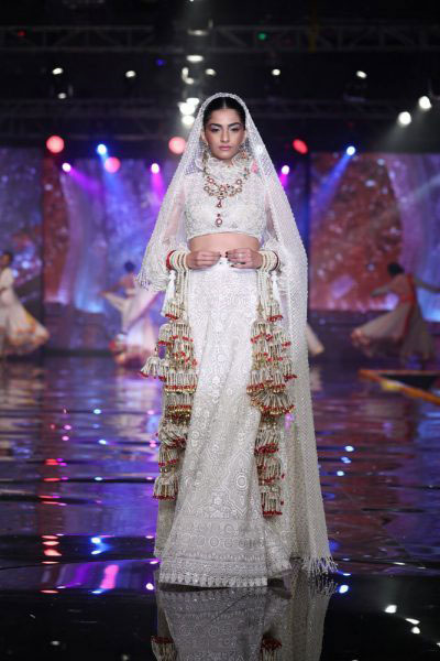 india couture week | ICW 2017 | Abu Sandeep launch shaadi by Marriott with Sonam walking the ramp