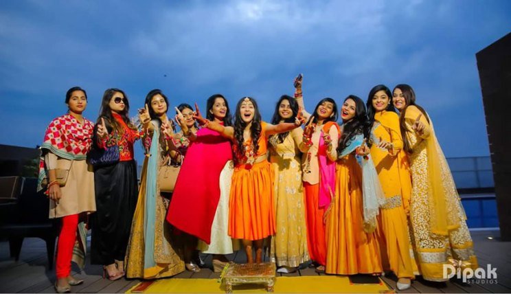 Fun Punjabi wedding ideas | Raagini and Gurtej - pretty wedding story | The bride having a gala time with her friends.