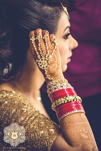 Nayana and Jai | Amazing Delhi wedding | Proposal story | Proposal ideas | The bride getting ready on her wedding day.