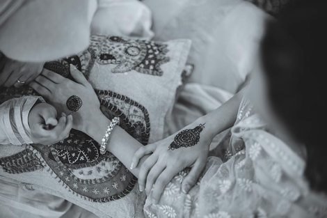 Sagar and Subiya | Destination wedding in Bali | The beautifully inked mehendi hands looks so amazing.