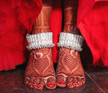 Heavy silver anklets | Trending Indian anklet ideas - Bridal Payal designs
