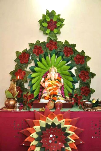 Ganesh ji idol decorated with paper flowers and cones | pooja decor ideas| Ganesh Chaturthi ideas | amazing Ganesh idols
