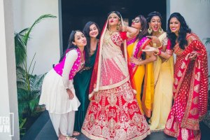 wedding gift ideas for your best friend | best friend wedding gift ideas | shutter down photography | Indian bride with her best friends in an adorable pose