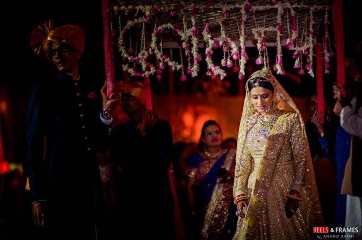 new phoolon ki chadar ideas for a perfect bridal entry   dulhaniya chadar   reels and frames