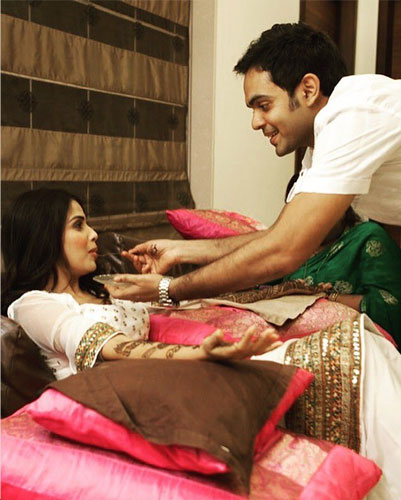 Brother of the bride duties | Genelia d souza's brother helps feed her
