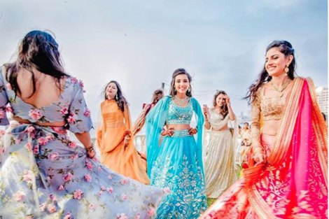 Perfect twirl with the girls| Create memories with your BFF– Bridesmaids photoshoot Ideas WE LOVED!