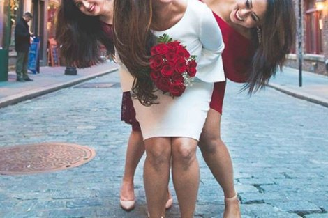 Color coordinated bridesmaids| Create memories with your BFF– Bridesmaids photoshoot Ideas WE LOVED!
