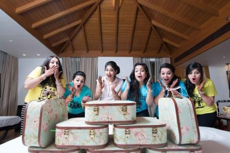 Team bride on a destination wedding | Create memories with your BFF– Bridesmaids photoshoot Ideas WE LOVED!