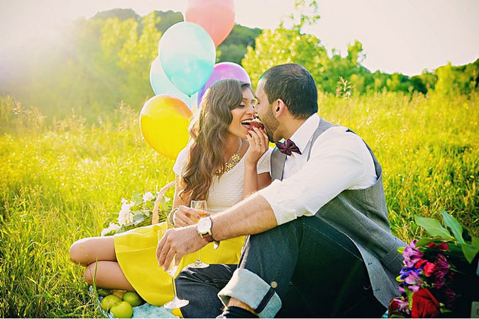 Date night Ideas for arranged marriage couples | pre wedding shoot picnic date by garima photography