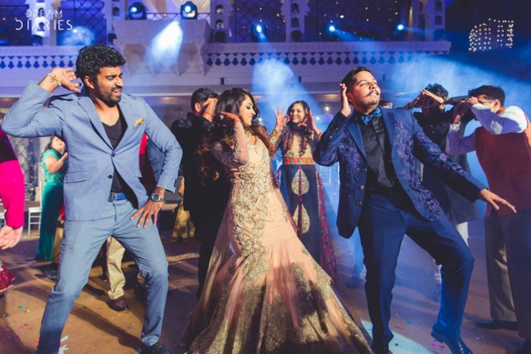 Dancing with friends | Bridal Solo Dance – 5 tricks to NAIL that performance!