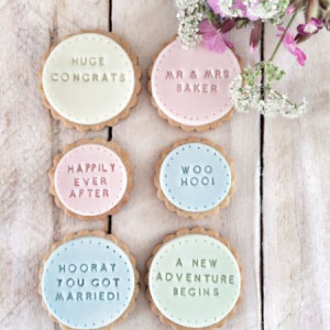 cookies as favours at weddings | oodique