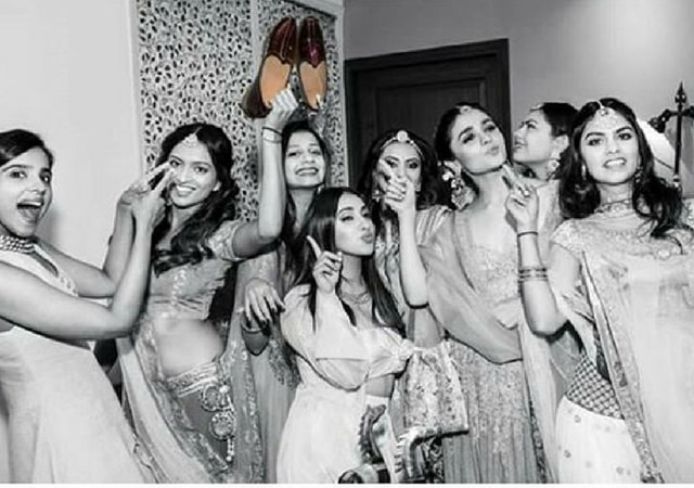 Alia & squad with shoes | Glamour, Girls and Goals – Trending & how #TheMehtaWedding in Jodhpur & its Bollywood Bridesmaid!