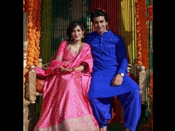 Couple at their mehendi |#CelebrityWedding - Gautam &Pankhuri's FORT-ful wedding in Alwar!