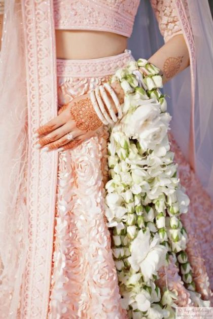 White flowers kaleere   #Trending&How - Floral Kaleere for the 2018 Bride!