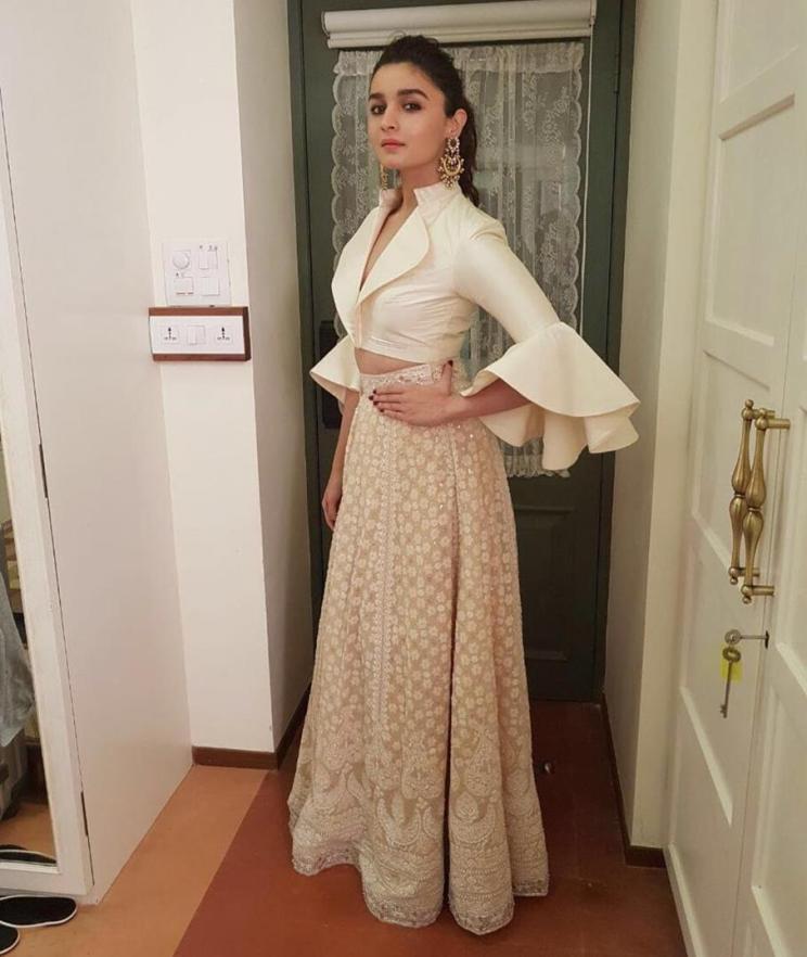 Diwali Outfits Inspiration   Tailor hacks   Bollywood Fashion   Indian Celebrities   Alia Bhatt