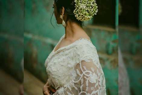 DIY Hairstyle   Diwali look inspiration   Flowers in hair   easy hairdos   Diwali ideas  