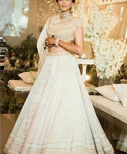 Sonam kapoor in white chikankaari lehenga | Mehendi outfit