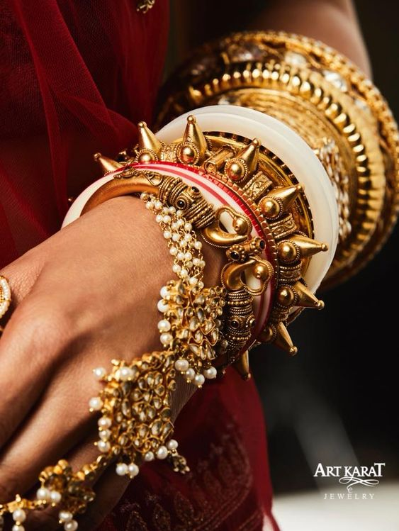 Statement hand jewellery for your wedding | indian wedding | Heritage jewels | Unique bridal jewels |