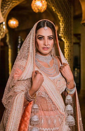 Anita Hassanandani | Celebrity Bride | yeh hai mohabbatein | Inspiration | trending now | Peach bridal lehenga | Diamond jewellery