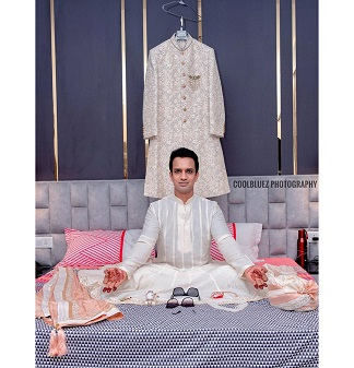 Indian Groom | Indian Wedding Photography | Getting Ready | Keep the calm | Groom phhotography | Save the date ideas