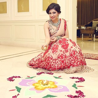 Rangoli on Diwali | How to impress your in-laws | Tulsi Kumar | New Bride | Indian Festivals | Celebrity Diwali Pictures | Tips and Tricks