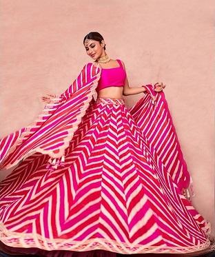 Mouni Roy | Leheriya Lehenga |Pink lehenga | Mheenid outfits | First Diwali after wedding | Karvachauth | Celebrity Fashion