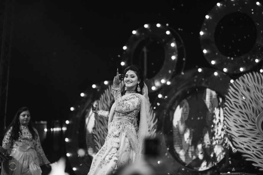 bride dancing on sangeet night | stuti and mukuls wedding