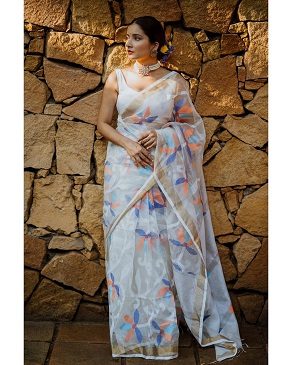 Beautiful saree with floral prints | Embroidery | White saree with colcorful flowers | indian Fashion | Sari ideas | Trending now |