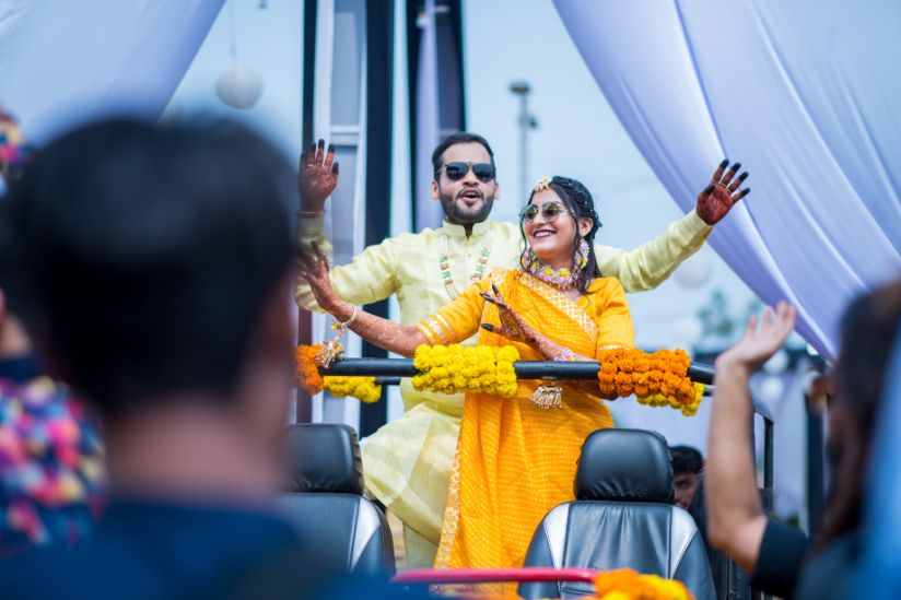 bride and groom | couple photo shoot ideas |A beautiful love story of Stuti and Mukul, the high school sweethearts.