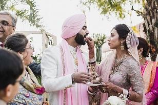 Cutest couple | just married | Pankhuri & Gobind | Wedding cake cutting