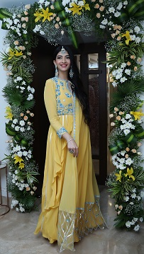 Hanna & Shahrukh | Yellow anarkali suit | Yellow and blue | Bridal Jewellery